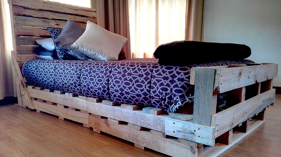 Single Pallet Sleigh Bed