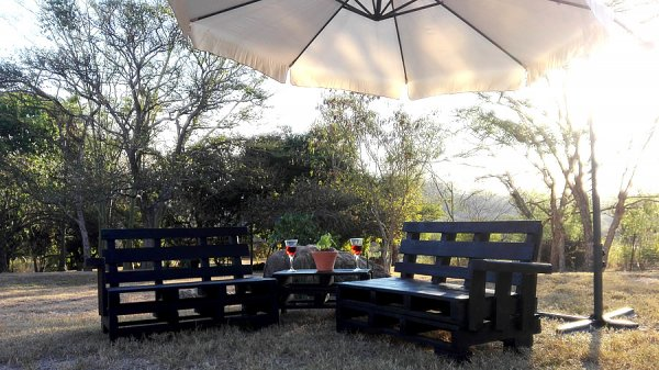 Dark Pallet Garden Suite - Creator Creations Custom Garden/patio Furniture in White River, Lowveld, Mpumalanga, Nelspruit Pallet crafting