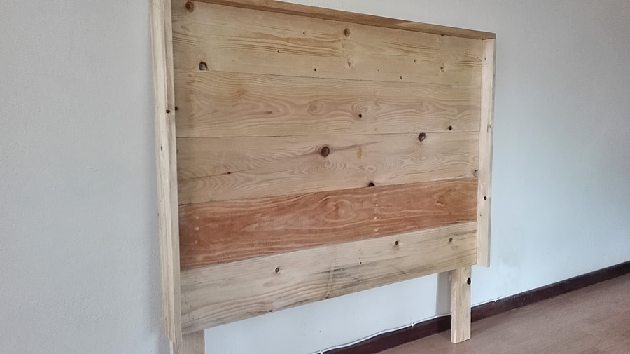Raw Pallet Headboard | Gloss | Lip Frame