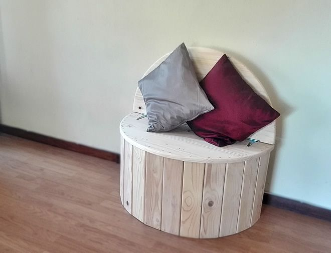 circular bench 1