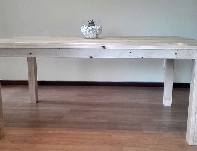 rustic pallet dining table 2