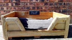 Pallet Dog Bed (Small) with chalk name board - Creator Creations Custom Furniture