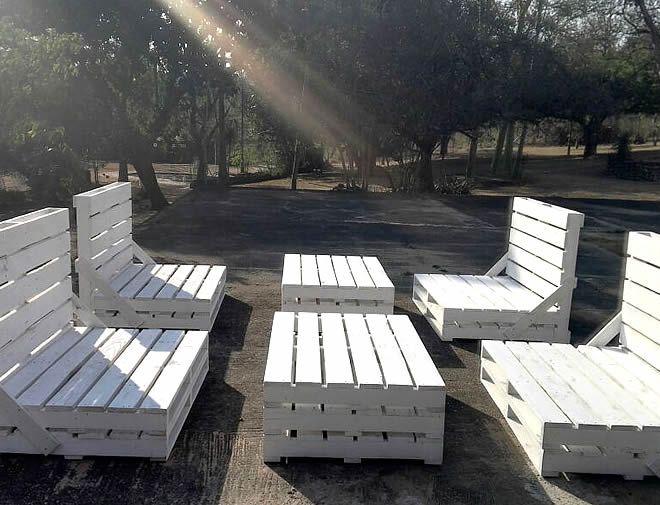 white-pallet-garden-suite-1