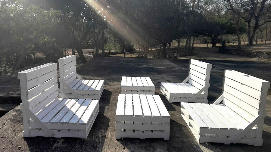 4 Piece Patio Set | White Pallet | 8 Seater