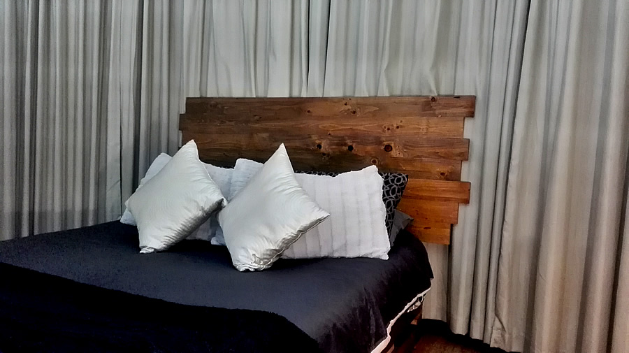 Jagged Headboard | Dark Oak