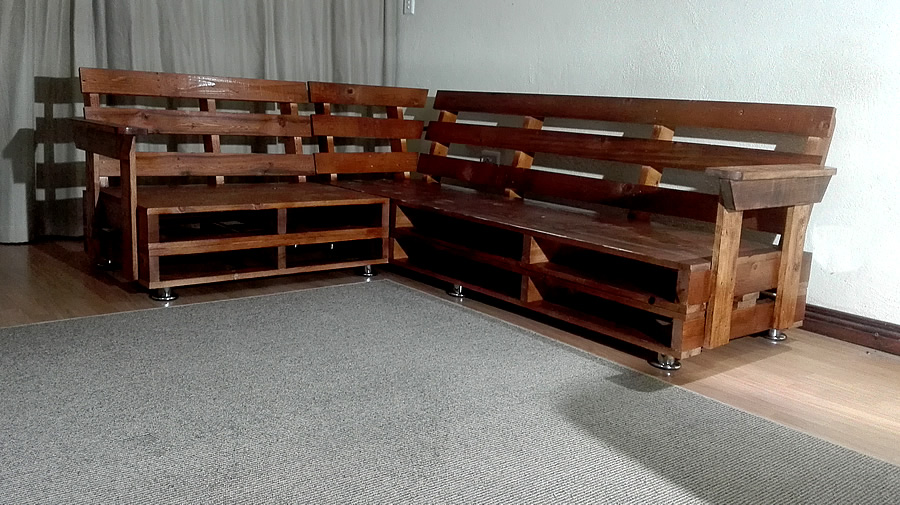 Pallet L-Shaped Corner Couch