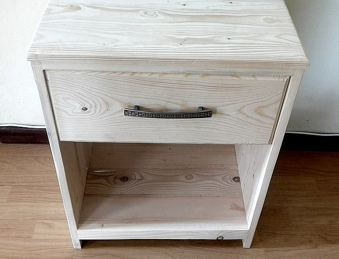 raw bedside table with drawer 2