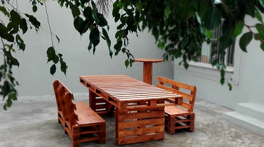 Pallet Styled Dining Set