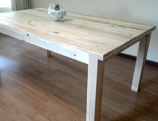 rustic pallet dining table 1