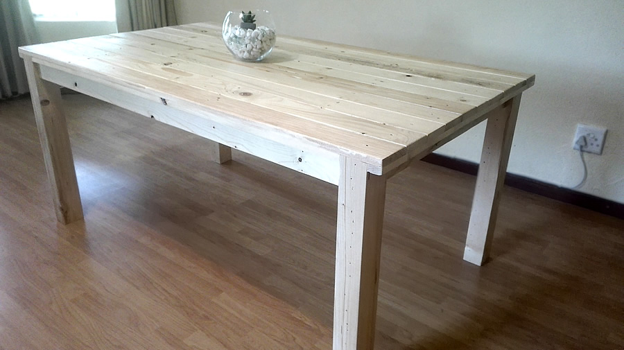 Rustic Pallet Dining Table 6 Seater