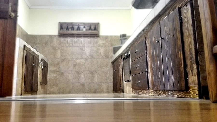 Built-in Kitchen Cupboards | Country Style