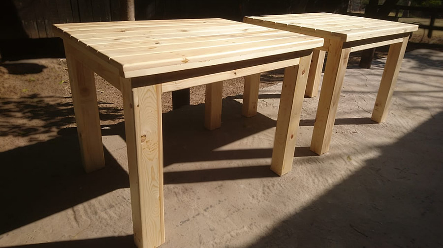Cafe' Dining Tables | Raw Pallet Wood
