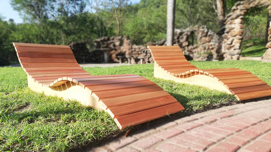 S-Curved Pool Loungers | Saligna