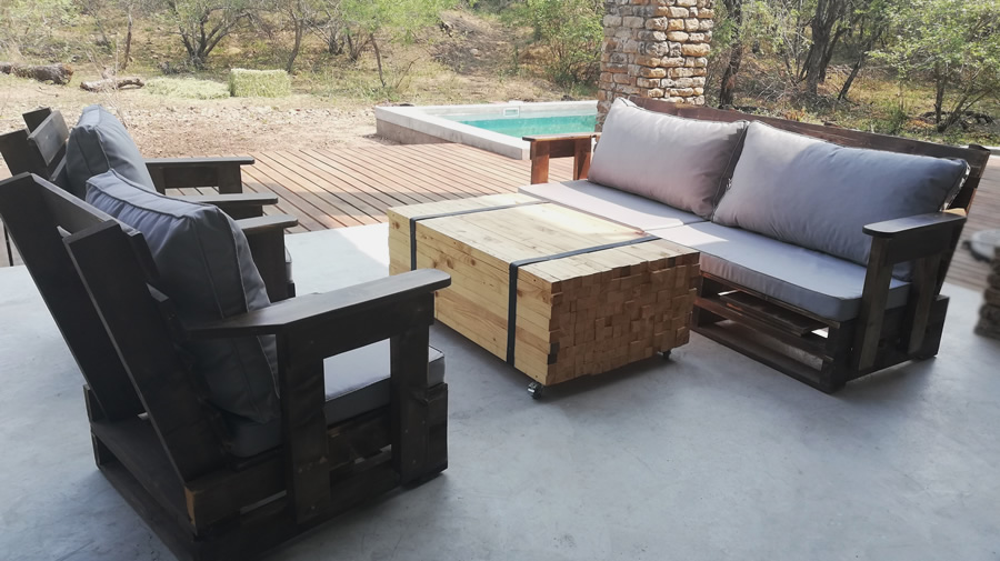 3 Piece Patio Suite | Vintage Pallet | 5 Seater