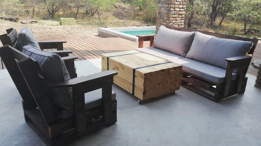 3 Piece Patio Suite | Vintage Pallet | 5 Seater